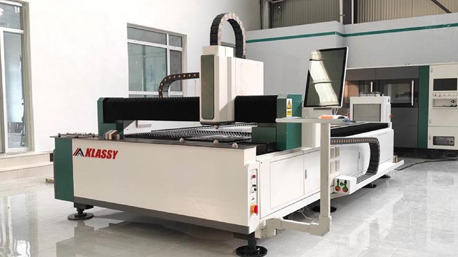máy cắt laser klassy bàn cắt đơn khung đúc – f 3015 f4020 f6020